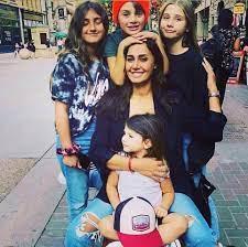 حلا شيحة تستعيد ذكرياتها بصورة مع أبنائها الـ4 على انستقرام - مجلة هي