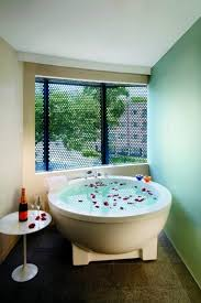 bathtubs in soak rooms