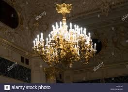 Kronleuchter Mit Kerzen In Der Burg Stockfoto Bild