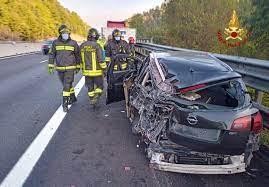 Incidente in A1 tra un mezzo pesante e una vettura, ferito il conducente  dell'auto - ArezzoWeb Informa