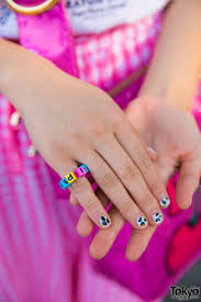 Crayon Rings Harajuku Girl In Pink Plaid Fashion W Crayon Shin Chan Little