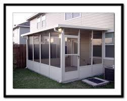screen room or sun porch