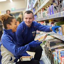 aldi recruitment stores apprentices but you ll certainly have to knuckle down to get the store assistant role under wraps if you do you ll quickly become a vital part of the team
