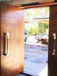 Image Rain Alamy Solid Timber Front And Entry Doors Beachwood Doors