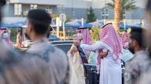 أمير الجوف يتفقد قيادة حرس الحدود بالقريات