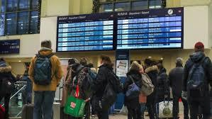 Wie erfahren sie, ob ihr zug ausfällt, und welche rechte haben sie? Bahnstreik Aktuelle Themen Nachrichten Bilder Stuttgarter Zeitung