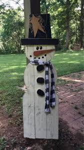 wood board snowman