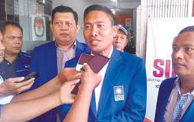 Hasil gambar untuk anggota DPRD Medan HT Bahrumsyah