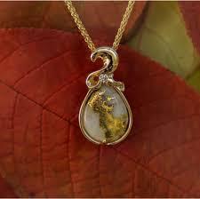 diamond gold quartz pendant gcwa235dgq
