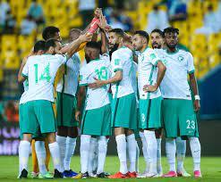 أخبار المنتخب السعودي : نقل لاعب المنتخب السعودي إلى المستشفى بعد اصطدامه  مع العويس - سبورت 360