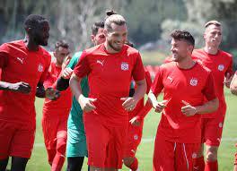 Sivasspor'da UEFA Konferans Ligi hazırlıkları sürüyor: Rakip Petrocub -  Ajansspor.com