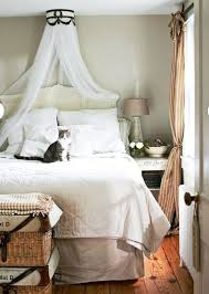 Bed Canopy - Bedroom Decorating Ideas - DIY Canopy Bed Videos ...