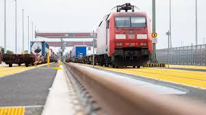 Einen termin für einen streik hatte sie nicht genannt. Deutsche Bahn Lokfuhrer Stimmen Fur Streik Der Spiegel