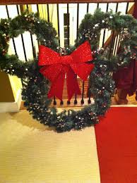 Mickey Shaped Christmas Lights Diy Mickey Mouse Outdoors Christmas Wreath Plan To Hang