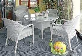 gartenmöbelset stapelsessel stühle runder tisch aus polyrattan grau geeignet für draußen