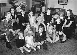 family life at the white house historical photo essay president franklin roosevelt poses his 13 grandchildren on his fourth inaugural 20
