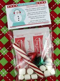 Snowman Soup Hot Chocolate Gift Pack printable at Oh My Creative : DIY gifts  from the