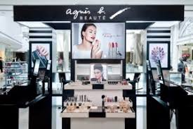 a magical makeup experience agnes b beaute teint osmose unifying foundation