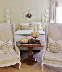 simple tips for decorating with trays