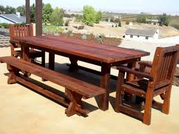 Outdoor Tips For Refinishing Wooden Outdoor Furniture Diy Wood