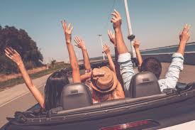 Resultado de imagen para travel with friends