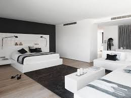 Gorgeous Master Bedroom Beach House Design with Black and White Color