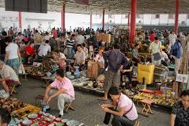 photo essay panjiayuan market beijing flashpacker a wide view of one of the market areas in panjiayuan flea market few