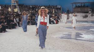 The <b>Spring</b>-<b>Summer 2019</b> Ready-to-Wear Show — CHANEL ...