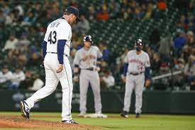 Mariners lose slow, cold game to Astros ...