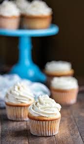 White Cupcakes I Heart Eating