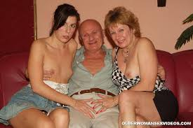 Mother with two daughters threesomes