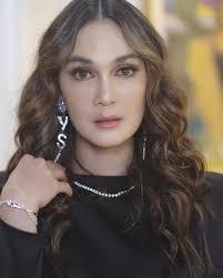 She started her career as an advertising and catwalk model. Ditanya Kedekatannya Dengan Ryochin Luna Maya Saya Masih Single Okezone Celebrity