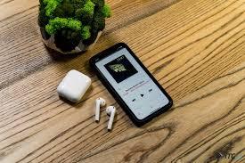 <b>Apple AirPods 2</b>: новый чип и беспроводная зарядка в привычном ...