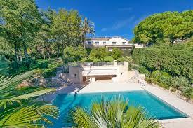 villa de luxe dans quartier résidentiel calme avec vue mer à vendre vence centre