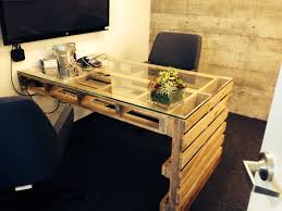 office desk europalets endsdiy. Desk Made Of Pallet Wood! Ironically Found This At Pinterest Office Europalets Endsdiy E