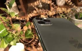 Cận cảnh iPhone 11 Pro Max màu xanh rêu