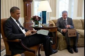 obama oval office desk. President Obama In The Oval Office Getting Briefed On An IPad 2 [Image] Desk N