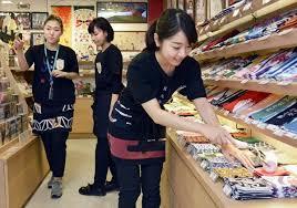 Kết quả hình ảnh cho Nhân viên bán hàng tại siêu thị