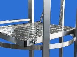 Progettazione Scale Antincendio : Scala antincendio metallica scale con gabbia
