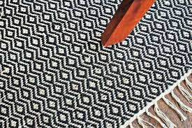 diamond pattern area rug hand woven 4 x 6 black white sisal
