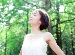 「深呼吸 女性 無料画像」の画像検索結果