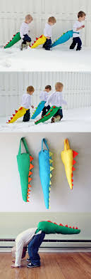 Cute DIY gift idea for your little monsters: DIY Dino/Dragon Tail! How cute  would this be to add to my projects!