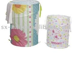 How To Fold A Pop Up Laundry Hamper 1353373