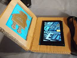 picture of pictures of the diy cardboard tablet case