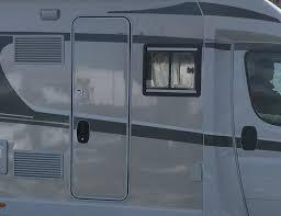 Einbau Eines Zusätzlichen Seitenfensters Im Carado T447 Wohnmobil