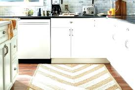 best rug for under kitchen table area rug er kitchen table cleaning best for apple size