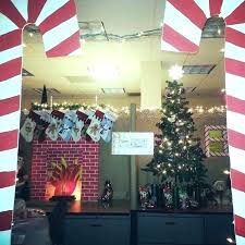 Christmas decoration for office Easy Christmas Decoration Office Decoration Decorating Themes Office Fancy Decoration Cube Ideas House Projects From Around Party Christmas Decoration Office Merry Christmas 2019 Christmas Decoration Office Office Decoration Simple Office