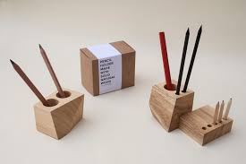 PENCIL HOLDER MADE OF SOLID NATURAL WOOD. (CUBE 8)