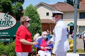 DVIDS - Images - Navy Chief Honors WWII WAVES Veteran On Her 100th Birthday  [Image 2 of 3]
