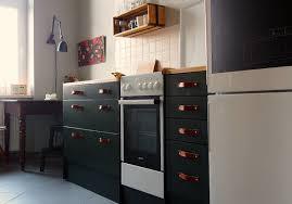 Parete Lavagna Fai Da Te : Verniciare i mobili della cucina fai da te